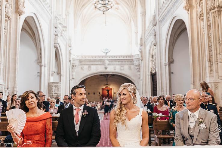 bodas de ensueño el cigarral de las mercedes finca toledo ceremonia boda iglesia de San Juan de los Reyes en Toledo